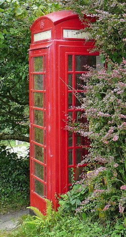 Red phone box{{}}