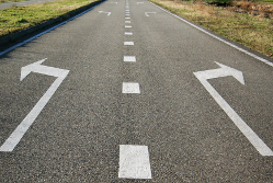 Arrows in the road – make the right choice!