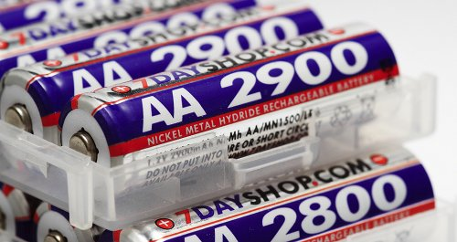 AA batteries{{}}