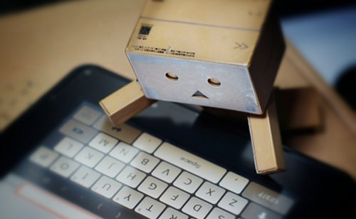 Robot with tablet{{}}