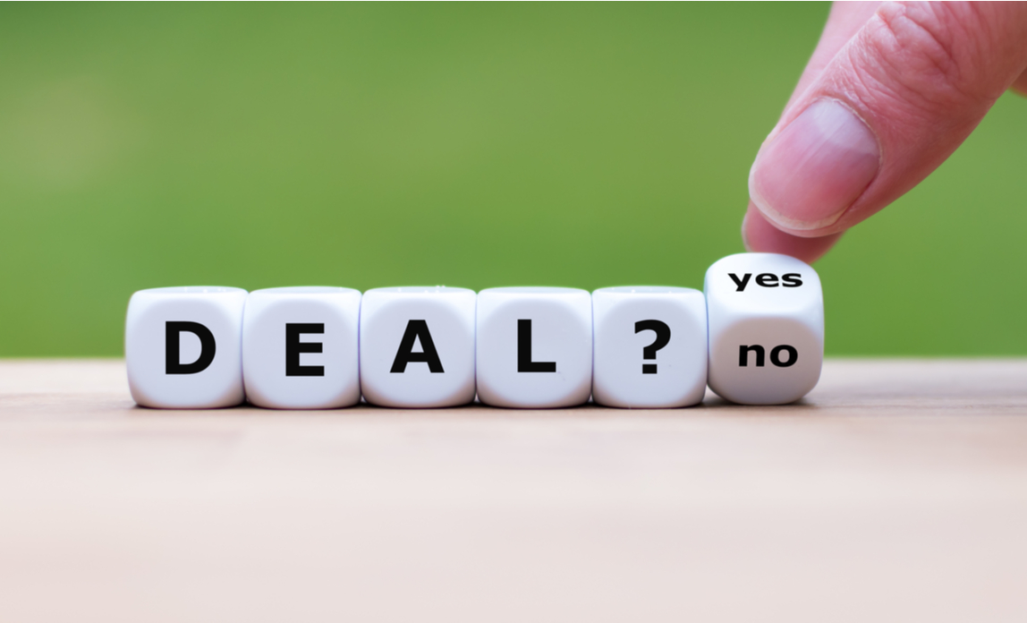 Deal yes or no cubes