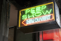 .xxx domains - peep show sign