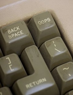 Keyboard with 'oops' key{{}}