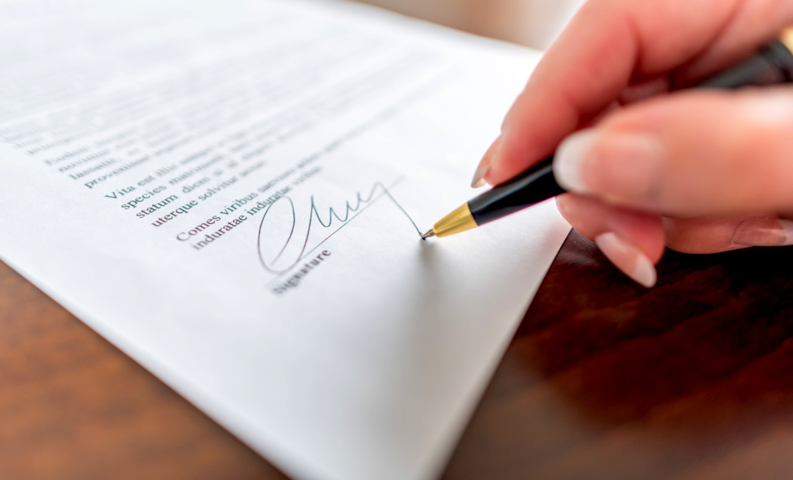 Signing a contract - what to look for in IT supplier contracts.
